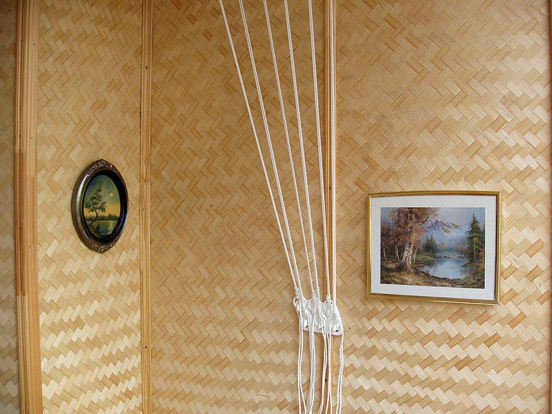 Декорировать стены бамбуком